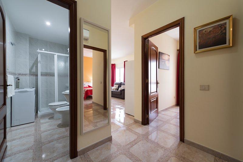 APARTAMENTOS CASTILLO MAR B, con vistas al mar de 2 dormitorios, holiday rental in Castillo del Romeral