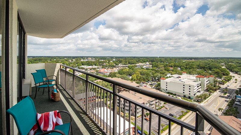 Grand balcon avec vue panoramique