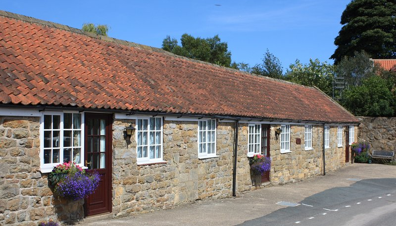 Wren Cottage. Cosy clean and affordable cottage, Scalby near Scarborough, holiday rental in Scarborough