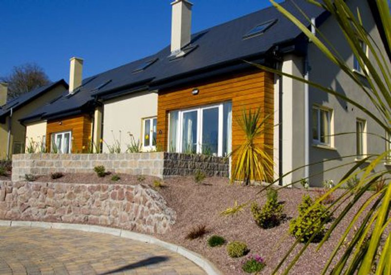 Vienna Woods Holiday Villas Glanmire Cork City Ireland, vacation rental in Killavullen