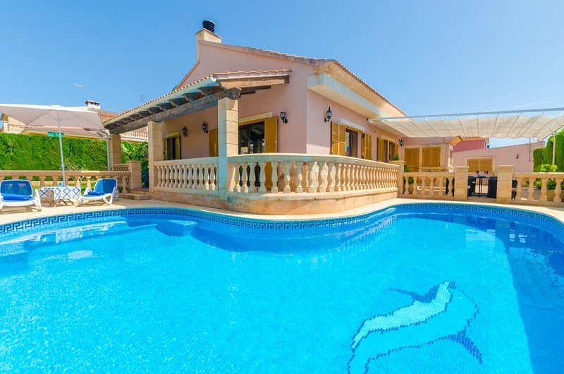 CAN FAMA - Villa for 6 people in Badia gran, holiday rental in Puig de Ros
