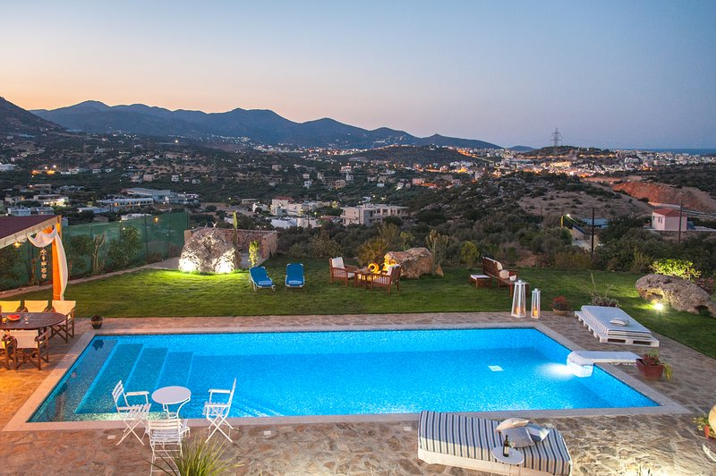 Villa Odyssia, location de vacances à Agios Nikolaos