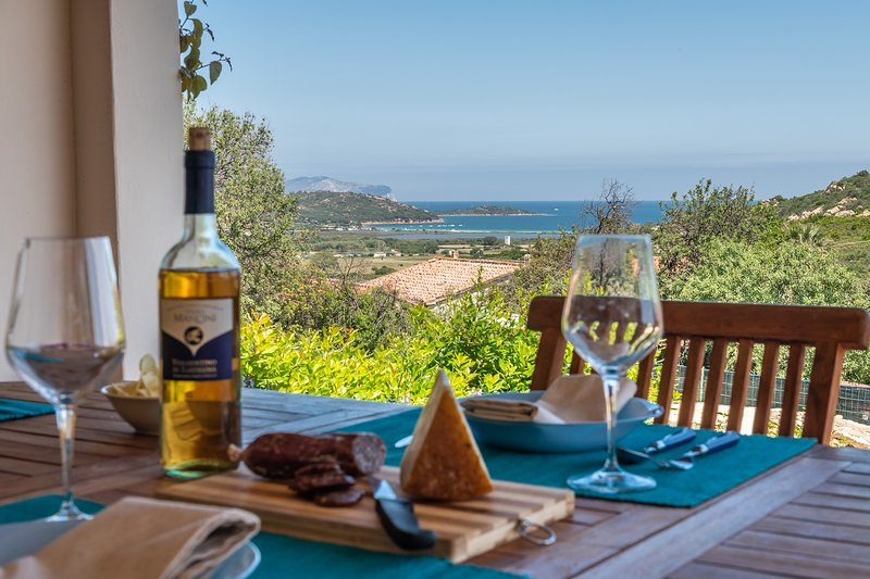 CASA DALIA: appartamento con splendida vista, 6 persone, location de vacances à Vaccileddi