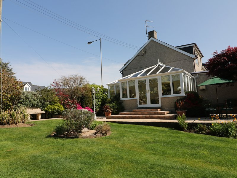 LLWYN DERW, Snowdonia National Park, sea views, en-suites, Ref 17163, holiday rental in Talybont