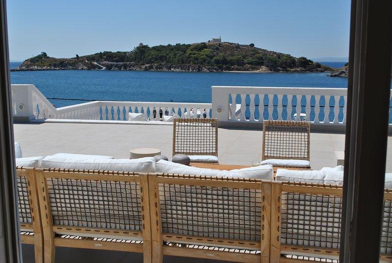 Captain Diamantis Mansion Deluxe Room, location de vacances à Vrontados