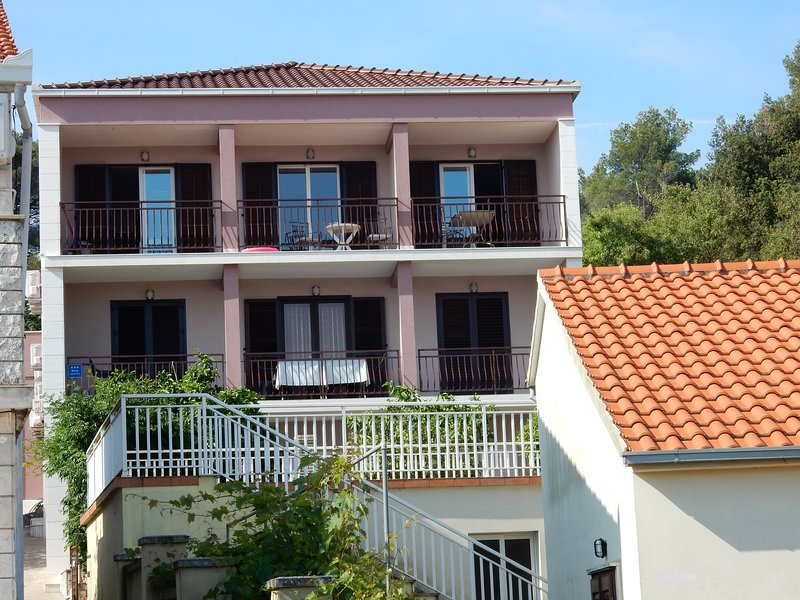 Indira Apartments A3, location de vacances à Peljesac Peninsula