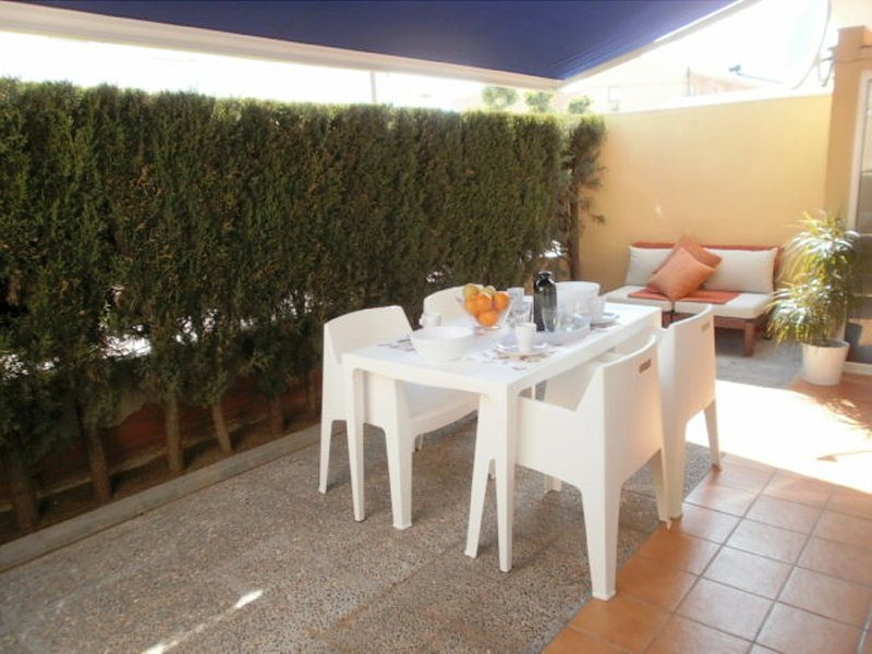 ESTARSOL 5B. A 50m Playa, A/A y Wifi...., vacation rental in L'Estartit