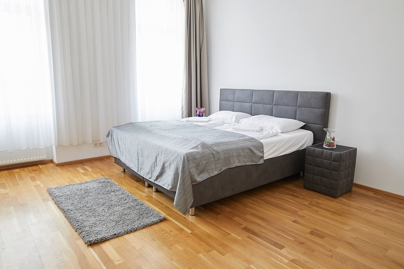 Garden Eden Apartments  - Heaven (Top 19), holiday rental in Gerasdorf bei Wien