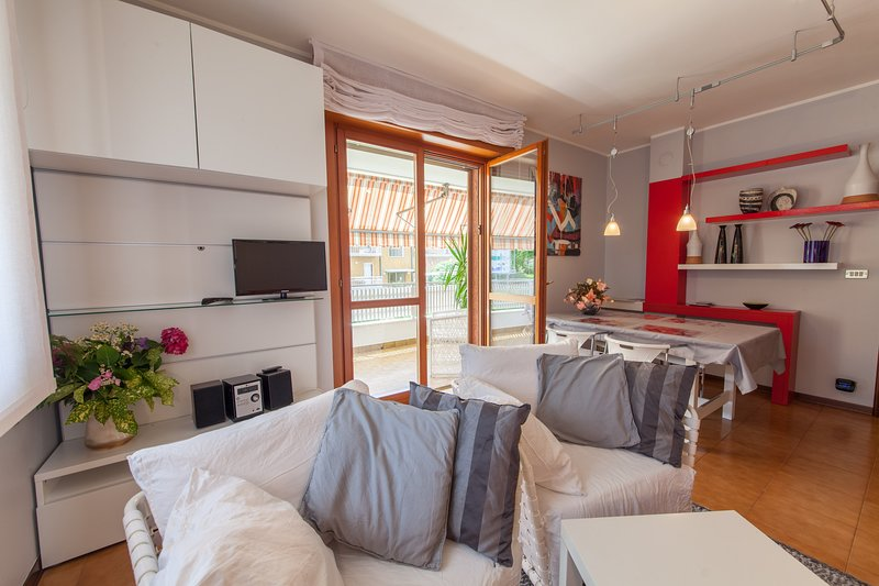 Appartamento accessoriato in esclusiva per 4 persone, vacation rental in Udine
