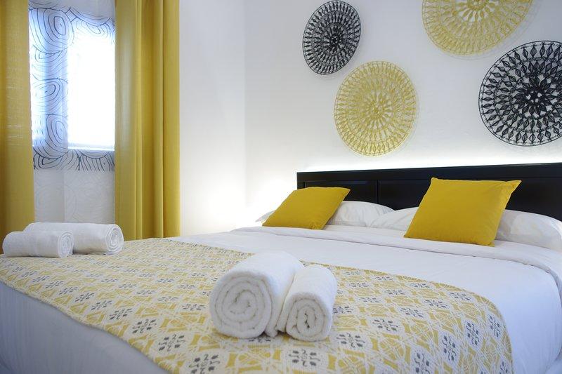 MAGMA Rooms Lanzarote Yellow, holiday rental in Playa Honda