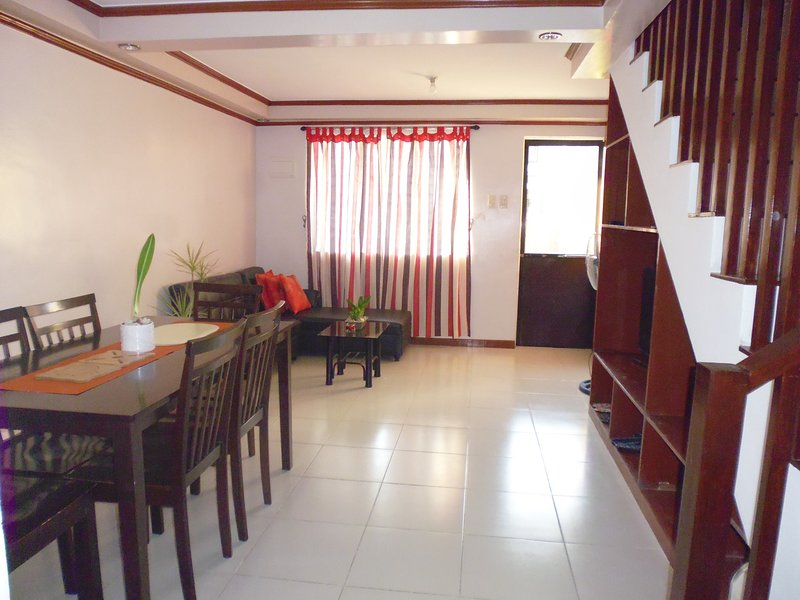Faith & Mauro Transient House, vacation rental in Pampanga Province