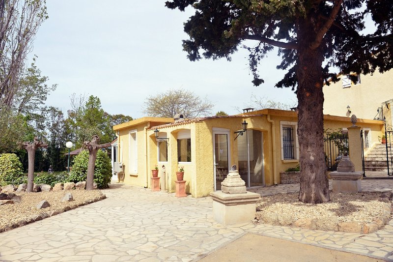 Beautiful house with shared pool, vakantiewoning in Bassan