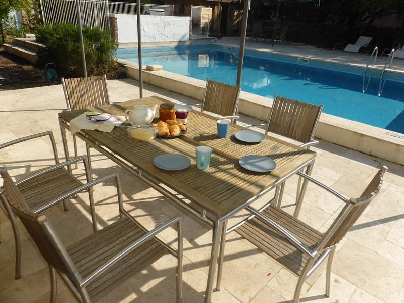 Alfresco Dining area by the pool