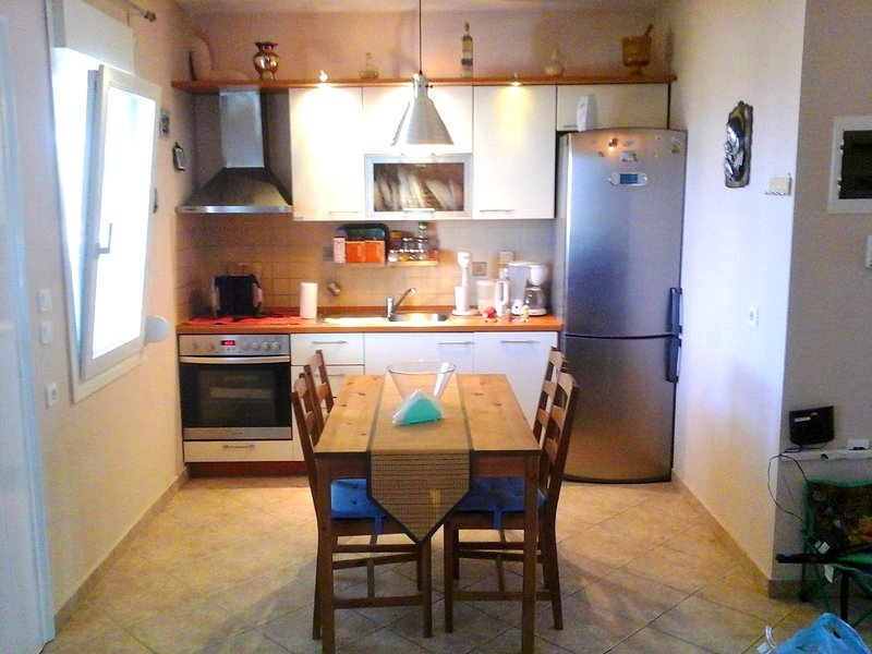 Beautiful apartment with sea view, holiday rental in Olympiada
