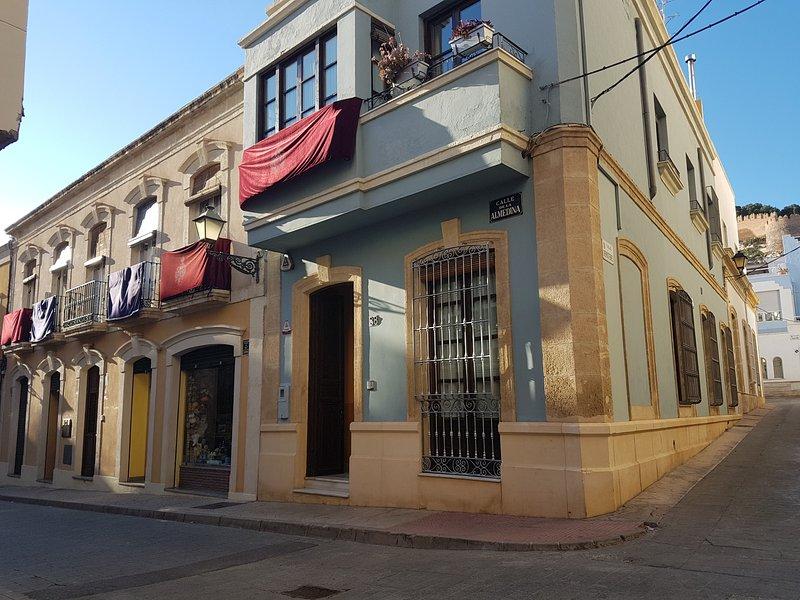 Casa con encanto en el centro historico – semesterbostad i El Toyo