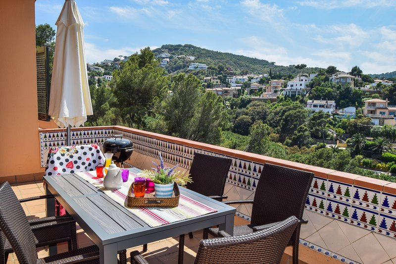 terrace with barbacue and montain views-SA PUNTA COSTA BRAVA