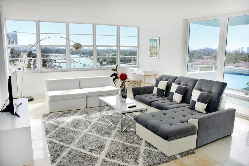 XXXL 2 appartement de style moderne BR / BA avec un grand salon pour un séjour confortable, disponible dès maintenant!