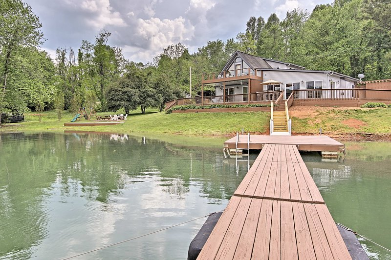 Hiawassee Home w/ Boat Slip & Dock on Chatuge Lake, vacation rental in Young Harris