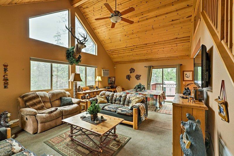 Vous vous sentirez comme chez vous dans cette charmante cabine Location de vacances Hathaway Pines.
