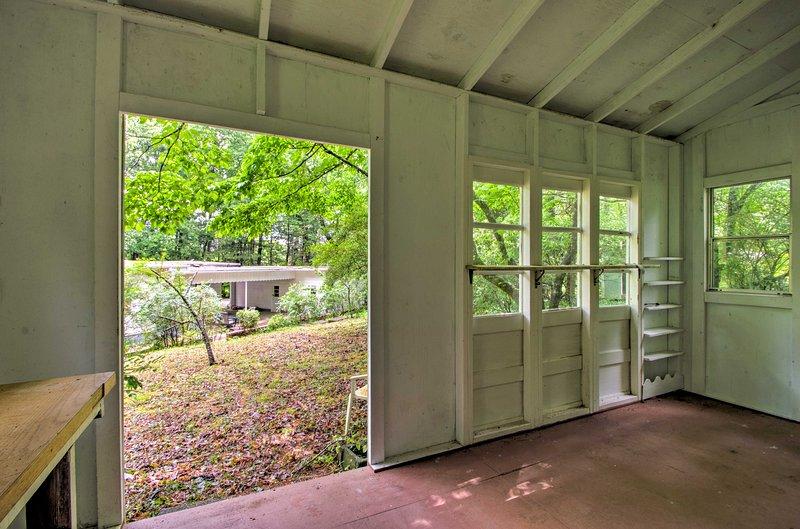 vistas tranquilas da casa e quintal obter inspiração artística.