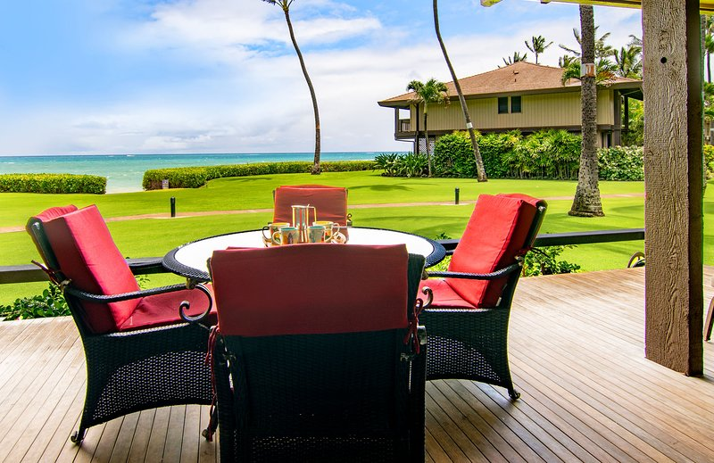5C Sugar Cove, beachfront Spreckelsville, Paia, holiday rental in Paia