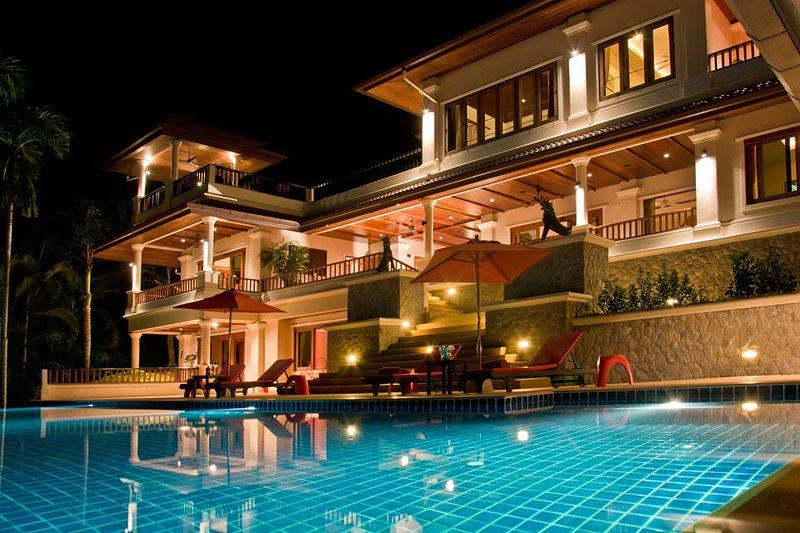 FULL SERVICE IMPRESSIVE 6 BEDROOM VILLA ORIOLE FROM $500 A NIGHT LOW SEASON, holiday rental in Bang Tao Beach