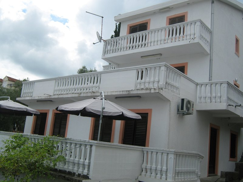 Krasici sea view apartment #2, location de vacances à Baosici