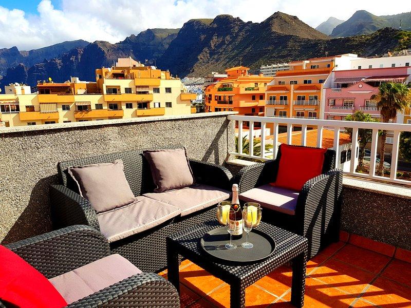 Beautiful apt near the beach & Wifi, holiday rental in Puerto de Santiago