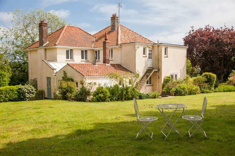 St Hilary's House, holiday rental in Walsingham