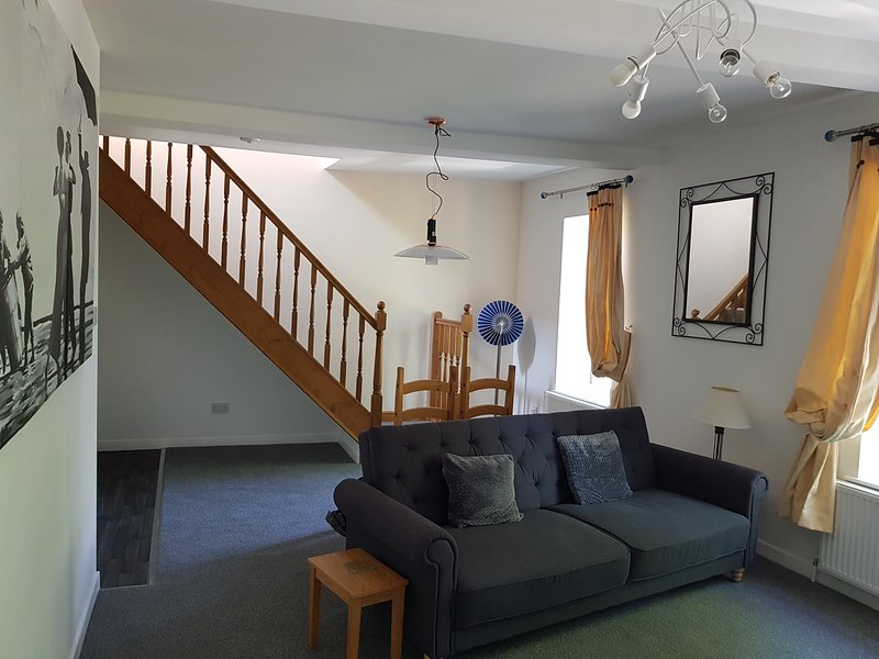 Church View, holiday rental in Grange Moor