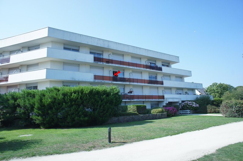 grand studio 47m vue mer balcon proche plages