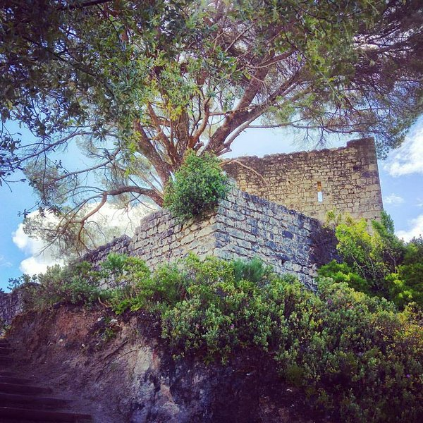 Places to visit: Alcanede's Castle - Places to see nearby - Castle of Alcanede