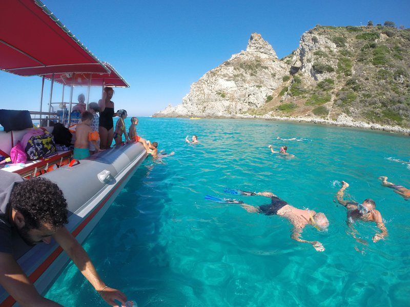 Coastal tours with diving, to do absolutely