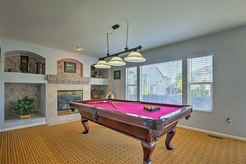 This  5-bedroom, 3.5-bath home sleeps 10 and boasts great amenities.