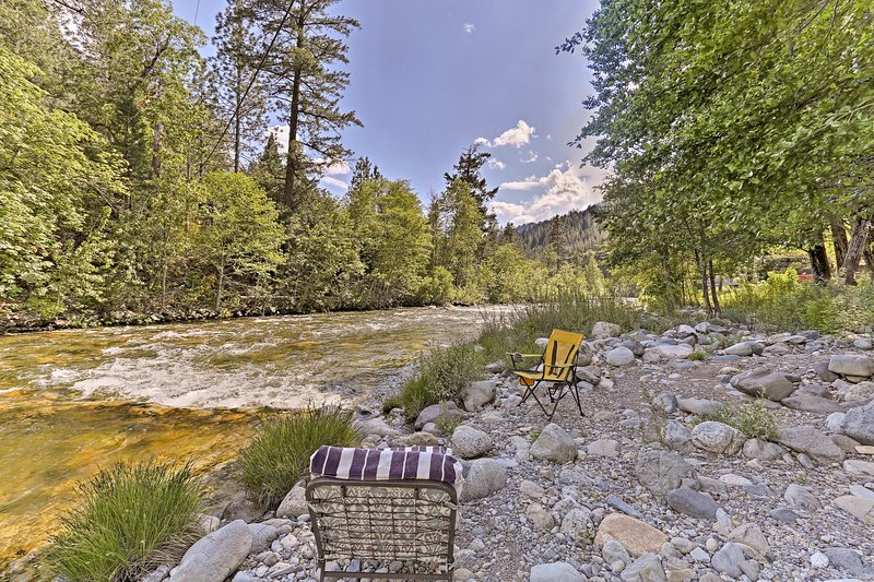 You'll fall in love with the home's location on the Upper Sacramento River.