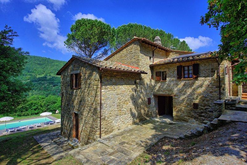 Gambaroncia Villa Sleeps 8 with Pool and WiFi - 5242130, holiday rental in Palazzo del Pero