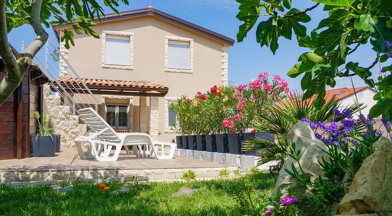 Casa Marina Apartement 1, holiday rental in Vrsi
