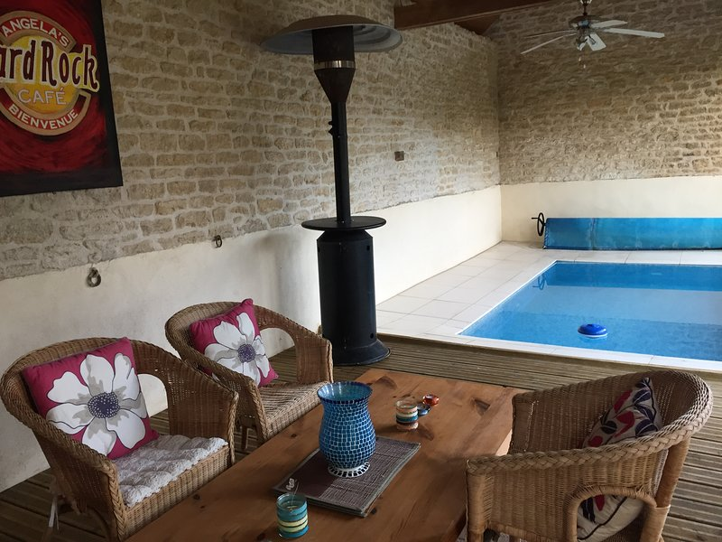 Converted Barn with Pool ( 5m x 4m) and leisure area