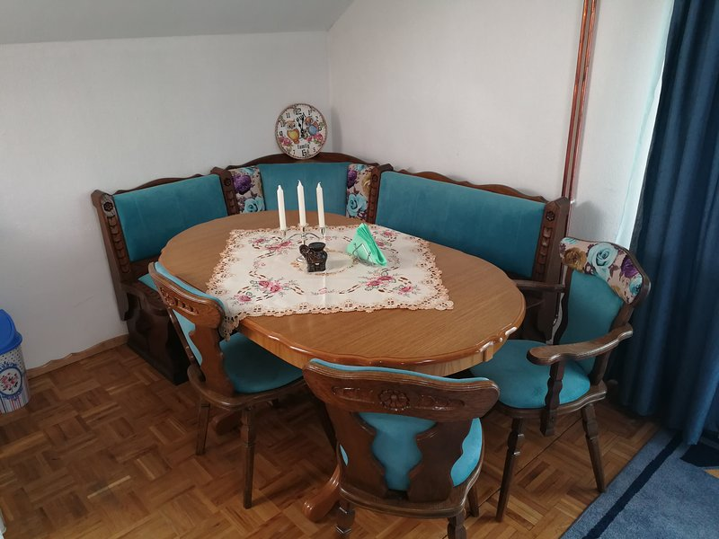 Apartments Aora - Blue EXCELLENT Location & Very Comfortable, holiday rental in Ilijas