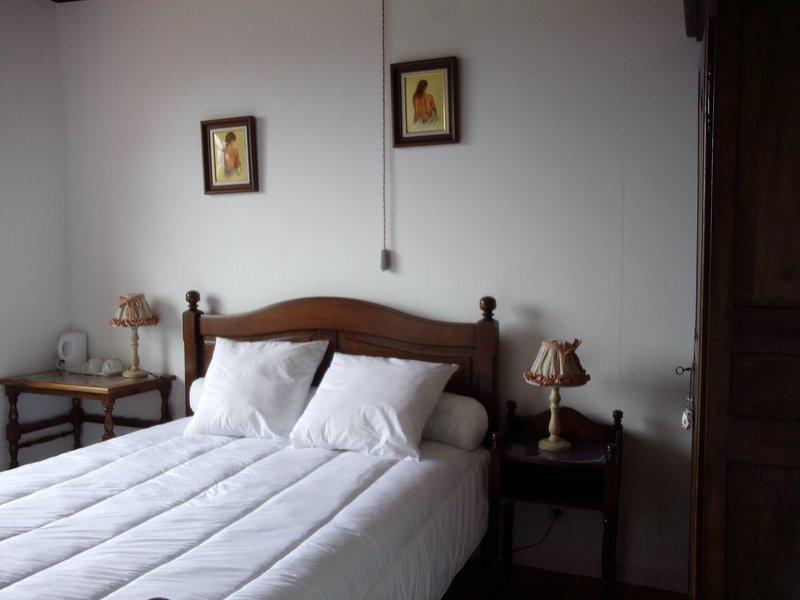 A Montsoué Chambre Landaise Petit déjeuner inclus, location de vacances à Eugenie Les Bains