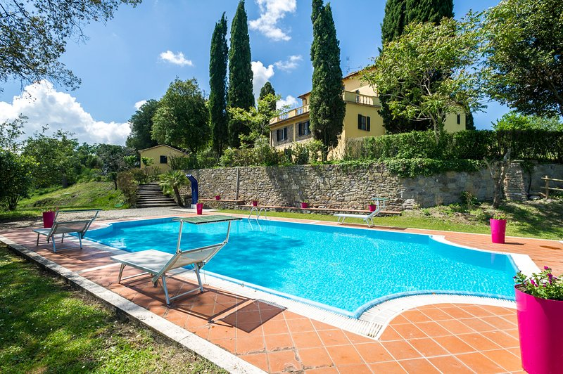 Radicofani Villa Sleeps 28 with Pool - 5605377, holiday rental in Radicofani