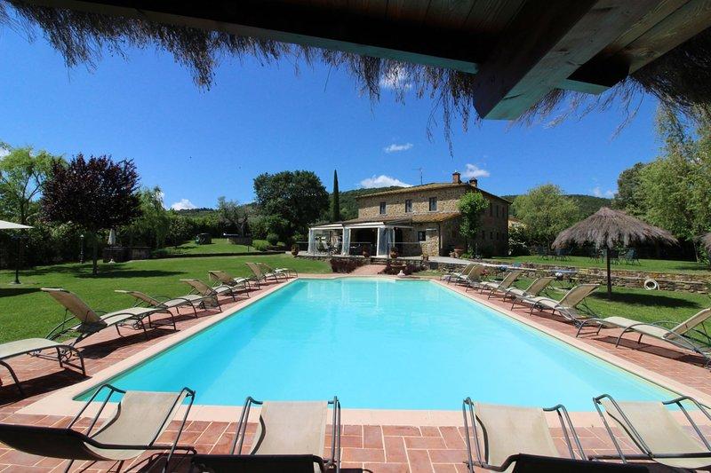 Oliveto Villa Sleeps 16 with Pool - 5490339, holiday rental in Oliveto
