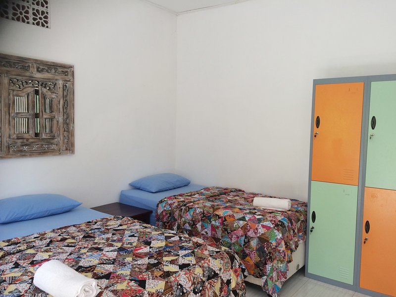 Bali Segara Lestari, Beach Dormitory with breakfast, Men and Woman separated, vakantiewoning in Tejakula