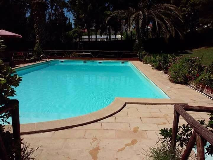 Beautiful house with shared pool, location de vacances à Vila Franca de Xira