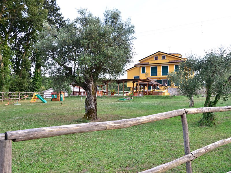 Big villa with garden & terrace, vakantiewoning in Tora e Piccilli