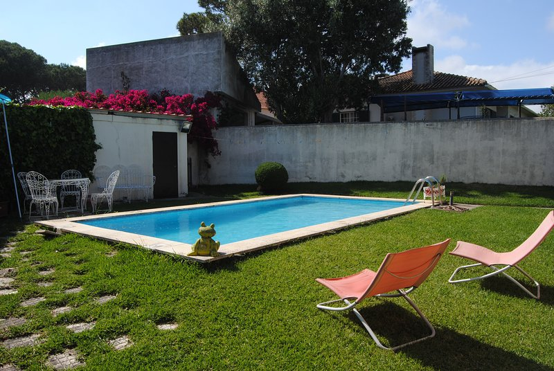 Nice villa with swimming-pool, vacation rental in Alcabideche