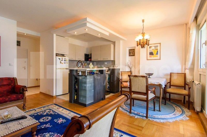 Nice apartment near river Danube, alquiler vacacional en Borca