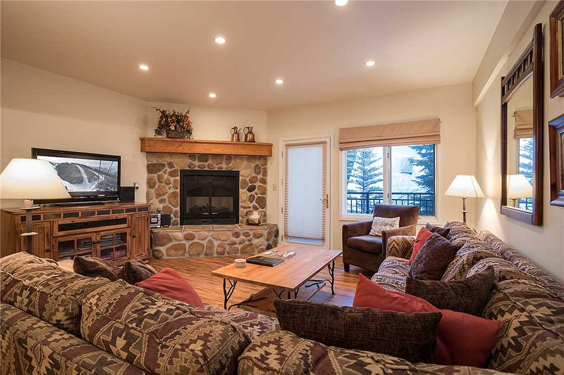 Scandinavian Lodge and Condominiums - SL301, alquiler de vacaciones en Steamboat Springs