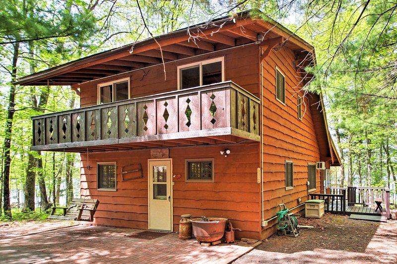 Localizado a poucos passos do Lago Largon, esta casa de 10 é perfeito para famílias!