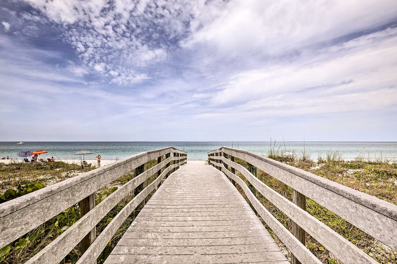 You'll have the sandy shores of Indian Rocks Beach just 400 feet away!